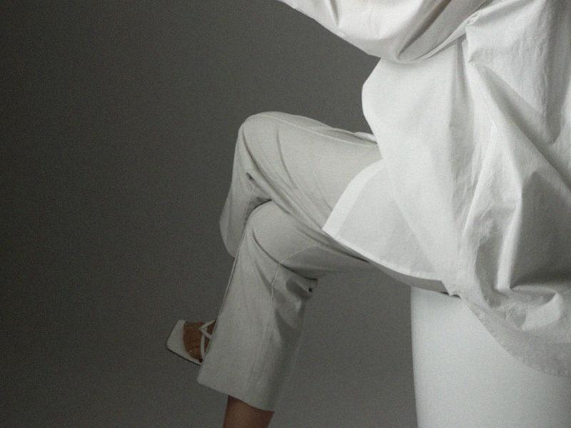 nylon taperd trousers